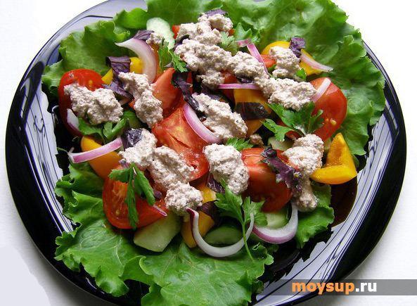 Салат с курицей грузинский