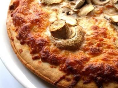 Пицца с замороженными грибами